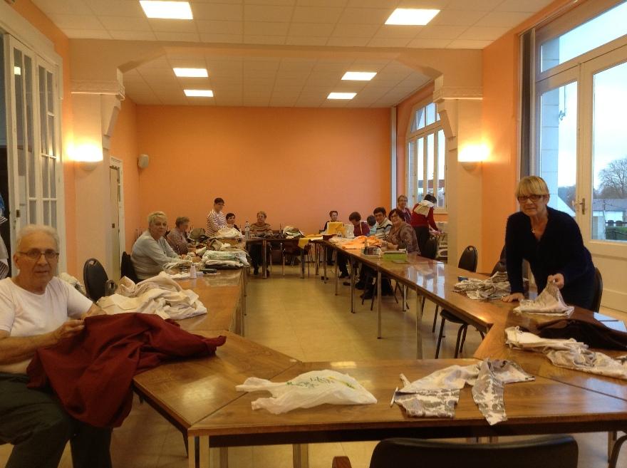 Les Baladins du Val d'Auge ont repris leur atelier couture à Mézidon